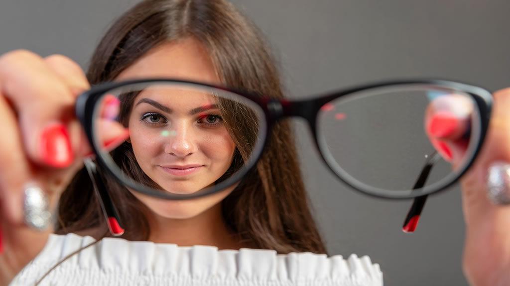 Eliminare gli occhiali